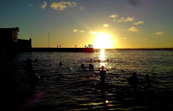Praia-Porto-da-Barra-Salvador-Bahia