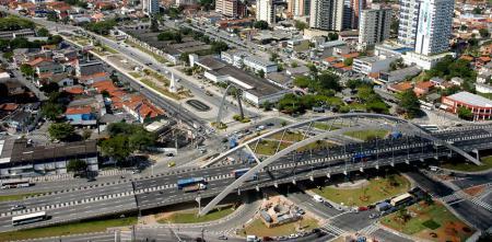 Viaduto Reinaldo de Oliveira - Centro de Osasco - Viaduto que é o cartão-postal de Osasco