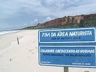 Tambaba tem uma boa extensão em praia de naturismo.