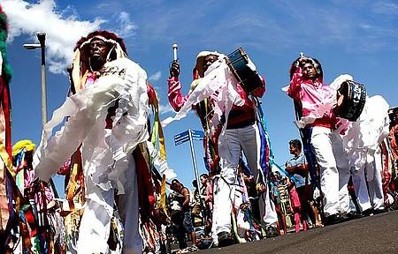 Festival de Folclore - Dança e muitas cores invadem a cidade em agosto
