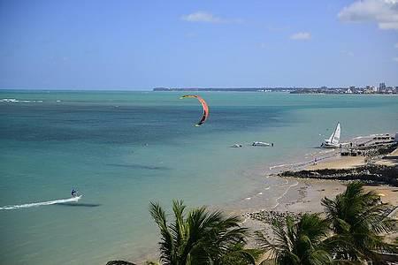 Bessa - Esportes náuticos movimentam a praia