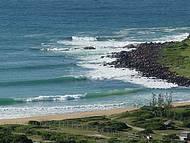Praia do Silveira é cenário de concorridos campeonatos de surf
