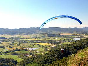 Morro Pelado: Point de saltos de parapente<br>