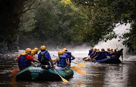 Rafting - Aventura começa próxima à cachoeira da Fumaça