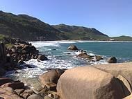 Pedras no canto da Praia Mole