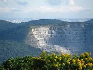 Pedreira e São paulo vistas do Pico do Olho D'água. Imperdível!