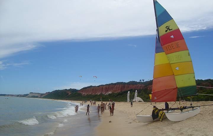 Praia é uma das mais charmosas da região