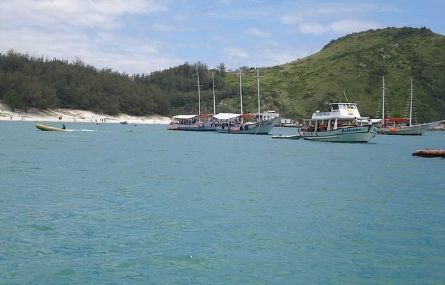 Passeio de Barco Pelas Praias Mais Límpidas