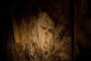 Caverna do Diabo: Salões são iluminados também por luz artificial -