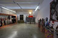 Coloridas exposições enfeitam o espaço