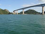 3ª Ponte com Convento.N.S da Penha, tirada passeio de escuna