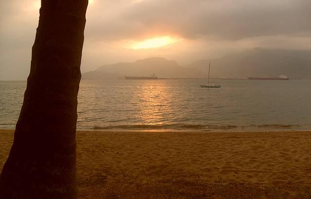 P�r do sol em IlhaBela