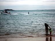 É Muito Frequentada, Abriga uma Colônia de Pescadores,residências e Restaurantes