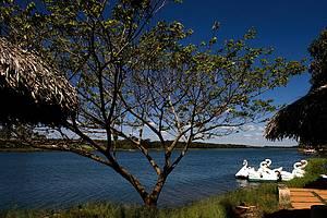 Lagoa Feia: Esportes náuticos são praticados no belo espelho d´água -