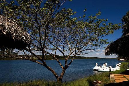 Lagoa Feia - Esportes náuticos são praticados no belo espelho d´água