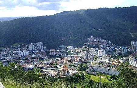 Vista parcial da cidade - Uma linda vista do alto do morro do Cristo