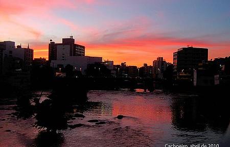 Rio Itapemirim - Vista do Rio e Ponte Municipal ao Entardecer