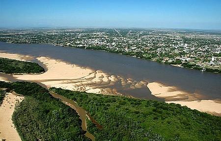 Rio Branco - Praias formam belas paisagens