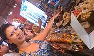 Parada no Vilarejo de Vale Verde para provar e comprar doces e licores