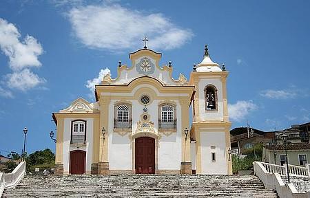 Igreja de Nossa Senhora das Mercês - Singela, guarda belas pinturas e esculturas