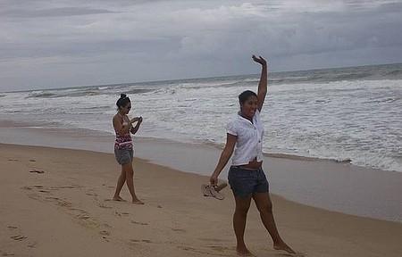 Praia de Imbassay - Caminha bem cedinho pela beira mar uma delicia.