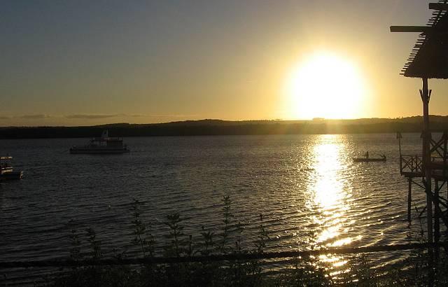 Pôr-do-sol ao som do bolero de Ravel na Praia do Jacaré