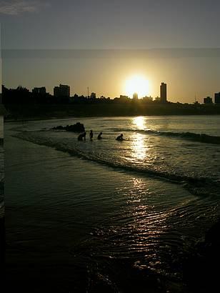 Fim de tarde em uma praia maravilhosa