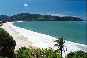 O que fazer e onde ficar em Caraguatatuba (SP): Tabatinga tem águas calmas e cristalinas -