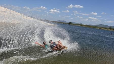 Eu fazendo esquibunda na Lagoa de Paramirim, Cumbuco