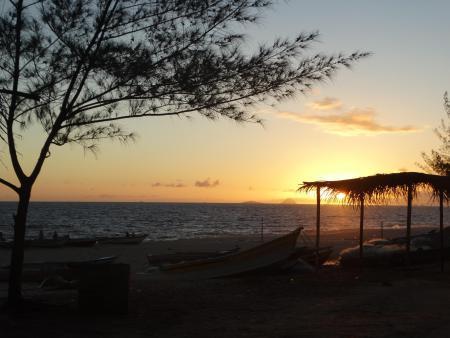 Maricá - Por do sol na praia de Itaipuaçu