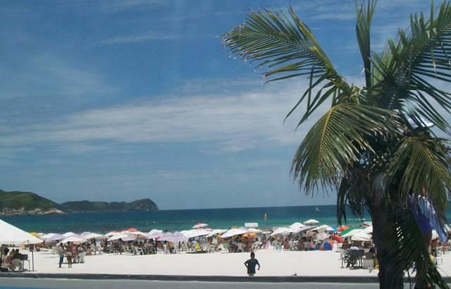 Que praia linda!