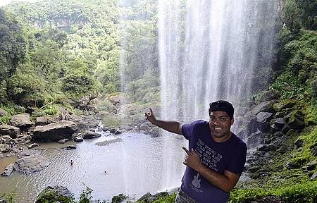 Salto Ventoso - Atrás da cachoeira