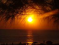 Pôr do sol na praia de Itaipuaçu
