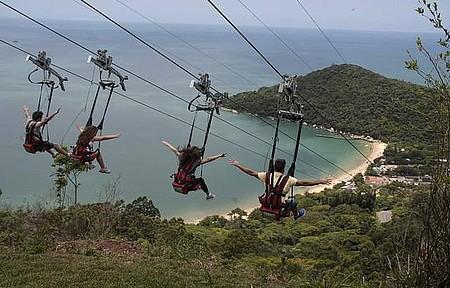 Parque Unipraias - ZipRider leva à praia de Laranjeiras!