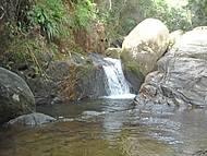 Nesse lugar também tem a famosa pedra que engole.