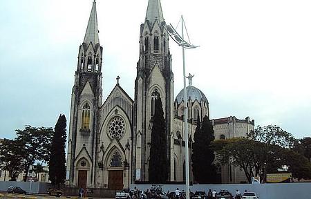 Catedral Metropolitana de Botucatu - Cicloturismo na Cuesta de Botucatu