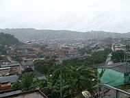 Vista panorâmica em tarde chuvosa