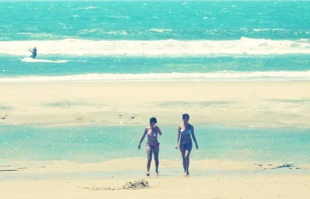 Domingão bom ! Andando pela praia do futuro.