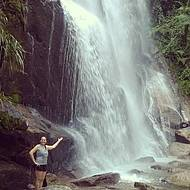 Cachoeira Véu de Noiva: Bela demais! São 40 metros de queda de água.