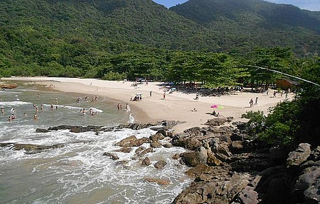 Vila de Trindade - Uma das excelentes praias de lá.