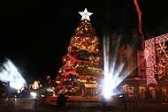 Cores e luzes na decoração da cidade