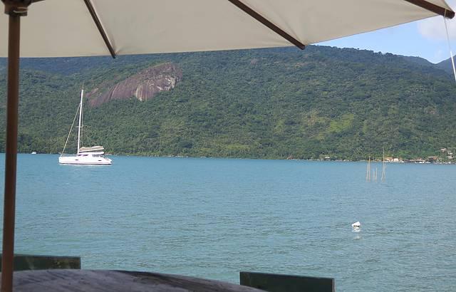 Vista do restaurante do Dadico, no Saco do Mamanguá