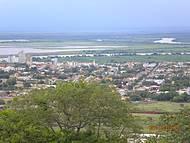 Vista Central e Planície Pantaneira, desde o morro do Bairro Cristo Redentor