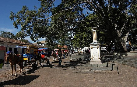 Circulando - Passeios de charrete saem do Largo das Forras