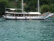 As embarcações fazem parte da paisagem.