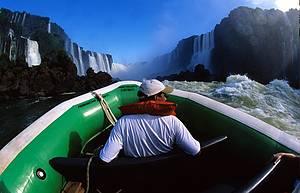 Macuco Safari: adrenalida pura em meio às quedas e gargantas -