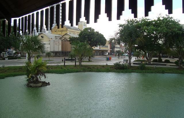 Entre uma Chuva e Outra