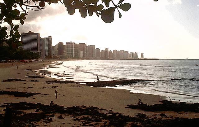 Pôr do sol na praia de Meireles