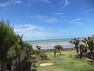 praia no litoral leste do Estado do Ceará