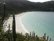 Vista da Praia do Forno la de cima do morro, subindo pela trilha.